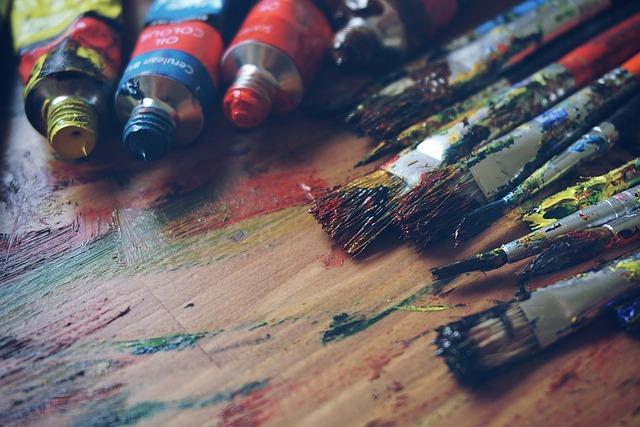 אמנים? כך תתפרנסו מעבודות יצירה בלי לצאת מהסטודיו