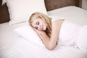 עבודה יעילה מהבית: חשיבות השינה הטובה לפרודוקטיביות שלכם